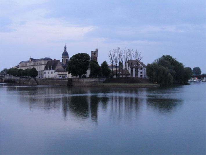 Fluss Saone im Burgund